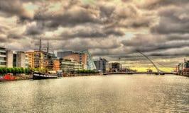 Mening van de dijk in Dublin Stock Foto