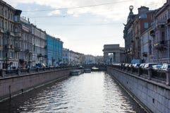 Mening van de dijk van kanaal Griboedova Stock Afbeelding