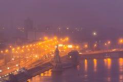 Mening van de Dnieper-Rivier, Rivierpost en het historische district Podil Stock Afbeeldingen