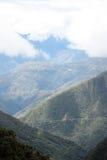 Mening van de Doodsweg op de heuvelhelling, Bolivië Stock Fotografie
