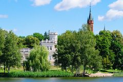 Mening van de Druskininkai-stad van het meer Stock Fotografie