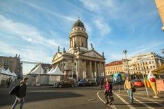 Mening van de Franse die Kathedraal (Franzosischer-Dom) in Berlijn op Gendarmenmarkt wordt gevestigd Royalty-vrije Stock Fotografie