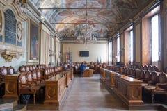Mening van de Gemeenteraadkamer van Bologna binnen een Stadhuis van Bologna royalty-vrije stock afbeelding
