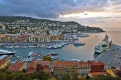 Mening van de Haven van Nice van de Kasteelheuvel vóór zonsopgang Royalty-vrije Stock Foto's