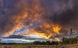 Mening van de herfst hdr zonsondergang stock foto's