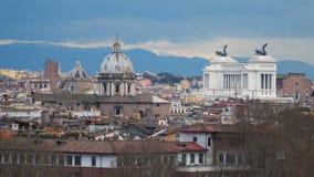 Mening van de heuvel op Monument aan Vittorio Emanuele II stock footage