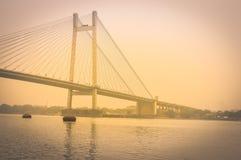 Mening van de historische Tweede Brug van Howrah op Hooghly-rivier Kolkata stock foto