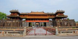 Mening van de hoofdingang in Hue Citadel in de Tintprovincie van Thua Thien, Vietnam stock afbeeldingen