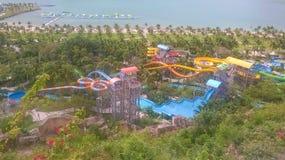 Mening van de hoogte van Grote Aquapark in het Pretpark van Vinperl in Vietnam Royalty-vrije Stock Afbeeldingen