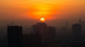 Mening van de horizon van Bangkok bij zonsopgang Stock Foto