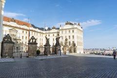 Mening van de ingangspoort aan het paleis van Praag in de Oude Stad o Royalty-vrije Stock Afbeeldingen