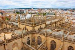 Mening van de Kathedraal van Sevilla en de stad Sevilla van Giralda, Spanje Royalty-vrije Stock Foto's