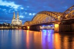 Mening van de Kathedraal van Keulen in Keulen, Duitsland Stock Afbeeldingen