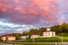 Mening van de kerk in Smolensk, Rusland Stock Foto's