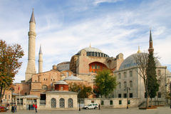 Mening van de kerk van Hagia Sophia in Istanboel bij zonsondergang Stock Afbeeldingen