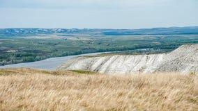Mening van de krijtbergen in de Don River-vallei, Donskoy-park Stock Foto