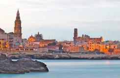 Mening van de Monopoli de oude stad, Puglia, Italië royalty-vrije stock fotografie