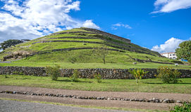 Mening van de oude Inca-ruïnes van Pumapungo Stock Fotografie