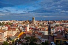 Mening van de oude Spaanse stad Malgrat DE Mar van de heuvel Stock Fotografie