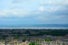 Mening van de oude stad van Calton-Heuvel, Edinburgh, Schotland stock fotografie