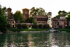 Mening van de overkant die van het Valentino-kasteel, de zon blokkeren door één van zijn torens Royalty-vrije Stock Foto