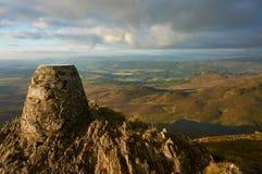 Mening van de piek van de Schotse heuvel in het Nationale Park van Cairngorms Stock Foto