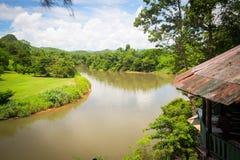 Mening van de rivier in de wildernis Stock Foto