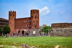 Mening van de Roman archeologische overblijfselen van de stad en Palatina Gate, een schat van beschaving Royalty-vrije Stock Foto