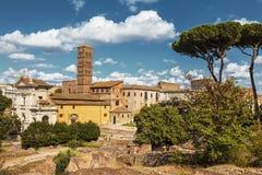 Mening van de ruïnes van Roman Forum rome stock foto
