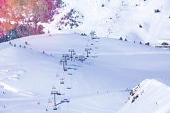 Mening van de skilift van Andorra stock afbeeldingen