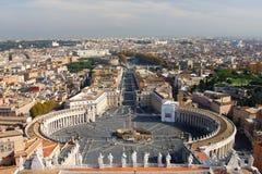 Mening van de St Peter Kathedraal, Rome, Italië Royalty-vrije Stock Foto's