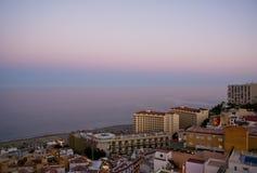 Mening van de stad bij zonsondergang Royalty-vrije Stock Foto