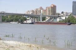 Mening van de stad van de linkeroever Op Don River-het varen Royalty-vrije Stock Fotografie