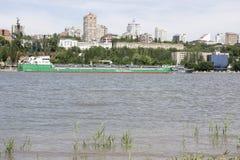 Mening van de stad van de linkeroever Op Don River-het varen Stock Fotografie
