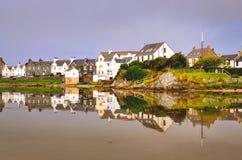 Mening van de stad van Havenellen op Eiland van Islay, Schotland, het Verenigd Koninkrijk stock foto