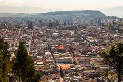 Mening van de stad van Quito Stock Foto's