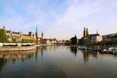 Mening van de stadscentrum van Zürich Stock Foto's