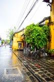 Mening van de straat in de oude stad van Hoi An, Vietnam Royalty-vrije Stock Foto