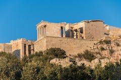 Mening van de tempel van Nike op Parthenon-heuvel in Athene Griekenland royalty-vrije stock fotografie