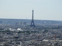 Mening van de Toren van Eiffel in Parijs Frankrijk van Montmartre Stock Foto's