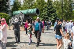 Mening van de Tsaar Pushka van het Tsaarkanon op squar Ivanovskaya Stock Afbeeldingen