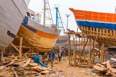 Mening van de visserij van blauwe boten in de haven van Marokko Royalty-vrije Stock Afbeelding