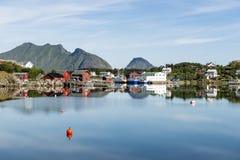 Mening van de visserijhaven in Lofoten Stock Foto's