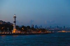 Mening van de vuurtoren en Bosphorus Stock Afbeelding