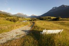 Mening van de Waaier en Forbes Mountains van Humboldt van Paradijs, NZ stock fotografie