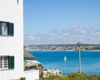 Mening van de westelijke kust van Portugal viewd van Baleal-dorp, Peniche Stock Foto's