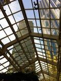 Mening van de wolkenkrabbers van Boston door glasplafond Stock Afbeeldingen