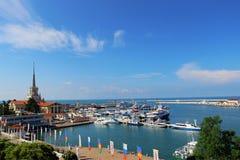 Mening van de zeehaven van Sotchi Stock Fotografie