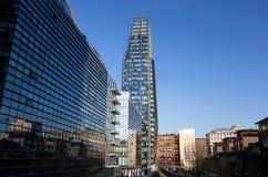 Mening van Diamante Diamond Tower, het binnengebied van ` Porta Nuova ` in Milaan, dichtbij Garibaldi-station, Italië royalty-vrije stock afbeelding