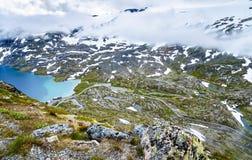 Mening van Djupvatnet-meer van Dalsnibba-berg - Noorwegen Stock Foto's